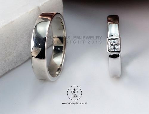 cincin Tunangan emas putih